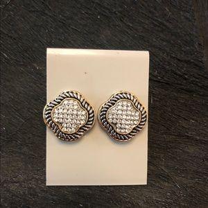 Yurman inspired Venetian Quatrefoil earrings